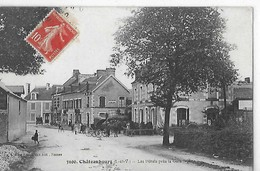 CHATEAUBOURG N 3100  HOTELS PRES DE LA GARE   ATTELAGE PERSONNAGES - Other Municipalities