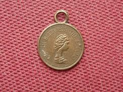 GRANDE BRETAGNE Jolie Petite Médaille Diamètre 13,5 Mm - Royaume-Uni
