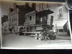 PHOTO J.TESSIER NANTES 14 FEVRIER 1955 DERNIER TRAMWAY ACCOMPAGNE PAR LA POLICE - Photos