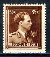 COB 695  **  (P1097) - 1936-1957 Col Ouvert