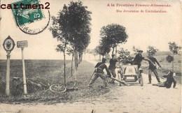 A LA FRONTIERE FRANCO-ALLEMANDE UNE ARRESTATION DE CONTREBANDIERS AUTOMOBILE DOUANE DOUANIERS 54 LORRAINE - Douane