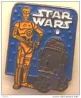K112 Pin´s Cinema Movie Film  Star Wars Guerre Des Etoiles Jedi  Achat Immediat - Films