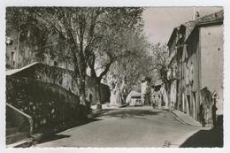 84 - Cucuron         La Rue De Vaugines - Sonstige Gemeinden
