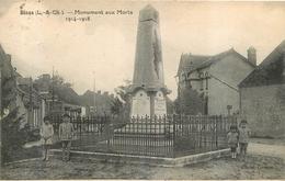 BINAS  MONUMENT AUX MORTS - France