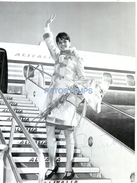 63895 ARTIST GIGLIOLA CINQUETTI ITALY PRESENTER TV & SINGER 23 X 17.5 CM YEAR 1957 AUTOGRAPH PHOTO NO POSTAL POSTCARD - Artistes