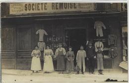 MERU (60) - CARTE PHOTO - SOCIÉTÉ RÉMOISE - Epicerie, Mercerie - Place De L' Hotel De Ville -voir Lot N° 418270747 - Shops