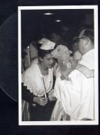 CP (13) Cérémonie Religieuse Probablement à Arles - Paques ? Arlésienne - Carte Photo Garimnd Arles - 1954 - Arles