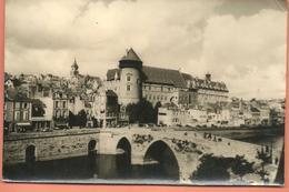 Photo De LAVAL La Cathédrale, Le Château, Le Palais De Justice - Lieux