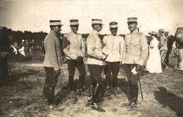 CARTE PHOTO SOLDAT OFFICIER PENDANT UNE FETE AU CARROUSSEL DE SAUMUR - Uniforms