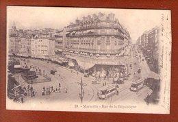 1 Cpa Marseille   Rue De La Republique - Vieux Port, Saint Victor, Le Panier
