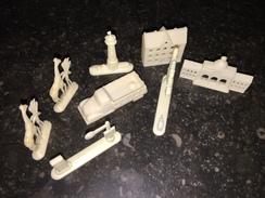 16WW  Ensemble De Petites Figurines En Plastique Palmier Chameau Camion - Figurines