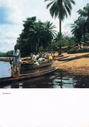 LAMBARENE - Arrivée Avec Pirogues, Belle Animation - Gabon