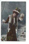 16140 - Bonne Année Femme à Chapeau Dans La Neige Carte Brillante - Nouvel An
