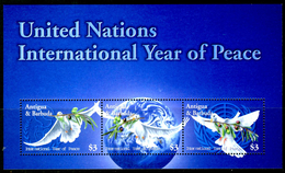 ANTIGUA & BARBUDA 2004** - International Year Of Peace - Block MNH Come Da Scansione - Antigua E Barbuda (1981-...)