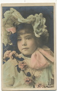 Jolie Petite Fille Gros Plan Manuel Dentelle - Portraits