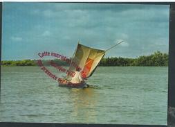 M1157 - Fisherman In Lagos Lagoon -  NIGERIA - Nigeria