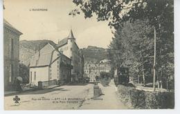 LA BOURBOULE - Le Tramway Et Le Parc Fenestre - La Bourboule