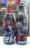 AC - COCA COLA BATMAN V SUPERMAN JUSTICE LEAGUE SHRINK WRAPPED EMPTY BOTTLES & CROWN CAPS - Bottles