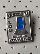 SLOVENIA  Pin Krmelj M Log Metal Black Smith Wrought Iron Tool - Sin Clasificación