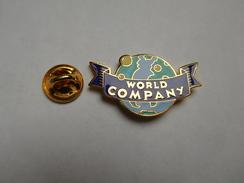 Superbe Pin's En EGF , World Company , USA , Les Guignols , Canal+ - Città