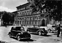 """06517 """"LUCCA - PIAZZA NAPOLEONE"""" ANIMATA, AUTO ANNI '40 .  CART. ILL. ORIG. SPEDITAB 1952. - Lucca"""