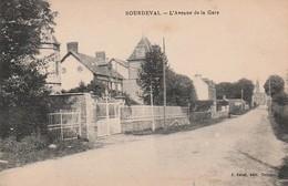 50 - SOURDEVAL - L'AVENUE DE LA GARE - Otros Municipios