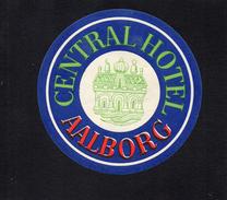 VIEILLE ETIQUETTE AUTOCOLLANTE DANEMARK CENTRAL HOTEL AALBORG VINTAGE LUGGAGE LABEL - Etiquettes D'hotels