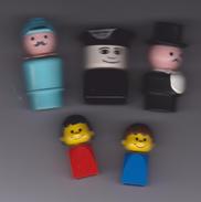 LOT  DE  5   PERSONNAGES   DUPLO  DIFFERENTS  ( 3 Grands  Et  2  Petits  ) - Figurines
