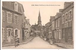 56 - GUER - La Rue St-Gurval Et La Poste. - Guer Coetquidan