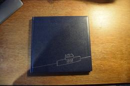"""Agenda Des Musées Cartonné Crédit à L'industrie 1995 - """"Europalia 25 Ans Souvenirs De Voyages"""" - Peintures Célèbres - Calendriers"""