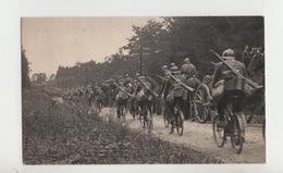 Peloton Cycliste Doublant Une Colonne D'artillerie - Guerre 1914-18 - 1914-18