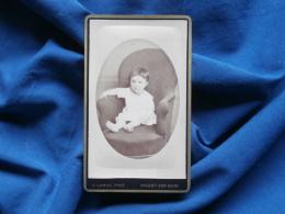 Photo CDV D. Camus à Nogent Sur Seine - Bébé Dans Un Fauteuil, Vers 1880 L290B - Foto