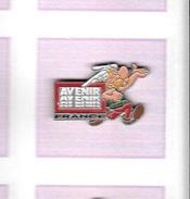 Pin´s  Personnage  BD  ASTERIX  Sur  Publicité  AVENIR  FRANCE  Verso  1991  GOSCINNY / UDERZO - BD