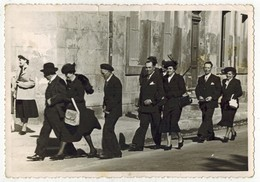 AUDE Souvenir De COURSAN En 1949 : VIEILLE PHOTO Originale Dentelée Avec Le Mariage De Claudette Et Clément - Lieux