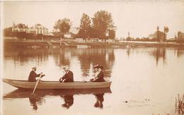 ¤¤  -  Carte-Photo Non Située  -  Groupe De Personnes Dans Une Barque  -  Bateau    -  ¤¤ - Cartes Postales