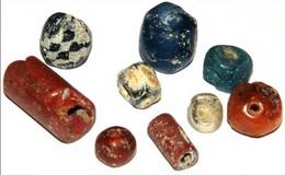 Lot De Perles Antiques Et Mérovingiennes - Archéologie