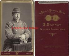 Belle CDV Soldat Du 31e R-deux Galons Manche-peintre Et Photographe E. Darnay Aenue Thiers à Melun - Guerre, Militaire
