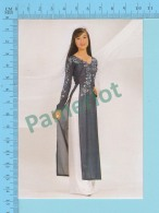 Vietnam - Hien Mai, Fashion Model In A Long Dress, Photo Hoang Trudong - 2 Scans - Mode