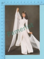 Vietnam - Minh Anh, Fashion Model In A Long Dress, Photo Hoang Trudong - 2 Scans - Mode