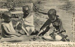 LESSOUTO ( LESOTHO ) Fillettes Jouant Aux Osselets - Lesotho