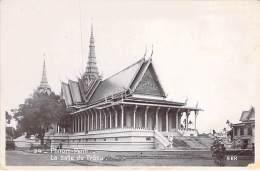 ASIE Asia - CAMBODGE Cambodia - PHNOM PENN : La Salle Du Trône - CPSM Photo PF - Kambodscha Cambodja Camboya Cambogia - Kambodscha