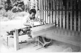 ASIE Asia - CAMBODGE Cambodia *** Carte Photo (sans Légende) *** Métier à Tisser ( Artisan ) ... Kambodscha Cambodja - Kambodscha