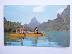 Postcard A Promenade In Canoe At Cooks's Bay Ile Tahiti Polynesie Francaise PU 1967 My Ref B1265. - Tahiti