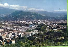 -- 38 -- GRENOBLE -- VUE GENERALE -- L'ILE VERTE - Grenoble