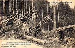 88)  URSON     -  Les   Shlitteurs  Gravissant La Montagne Et Portant Leurs Shlittes - Foêt De L´  Urson  (  Bucheron  ) - Autres Communes