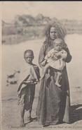 CPA:Madagascar:Tananarive:Femme En Deuil Et Ses Enfants - Madagascar