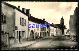 Vauvillers - Rue Notre Dame  -  Animée - CPSM Format CPA - Réf: 34345 - Autres Communes