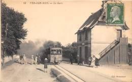 14 - CALVADOS / Ver Sur Mer - La Gare - Très Beau Cliché Animé - Otros Municipios