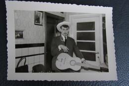 Vintage Gitaar Guitar Cowboy 1960 - Personnes Anonymes
