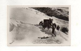(38) Le Chasse Neige  Ouvrant La Route De L'Alpe D'Huez Animées - Non Classés
